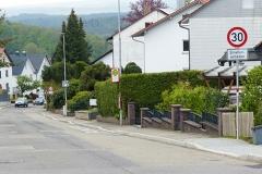Reduzierung der Geschwindigkeit in der Schluttenbacher Straße und Planung der Sanierung